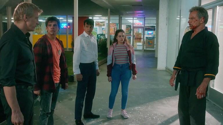 William Zabka, Xolo Maridueña, Ralph Macchio, Mary Mouser nad Martin Kove on Cobra Kai.