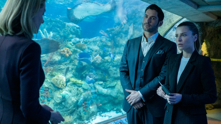 Lucifer and Chloe investigate a murder by shark as his siblings begin circling around Lucifer.
