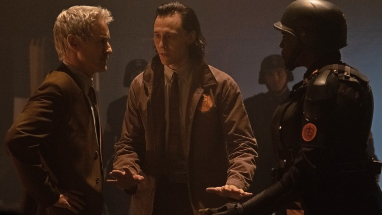 Owen Wilson, Tom Hiddleston, Wunmi Mosaku in Loki
