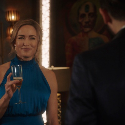 """Caity Lotz as Sara Lance on Legends of Tomorrow Season 6 Episode 6 """"Bishop's Gambit"""""""