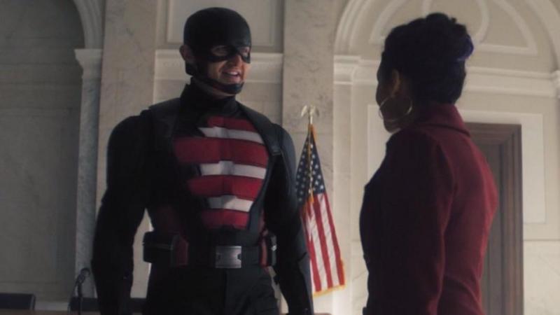 Wyatt Russell dans le rôle de John Walker, l'agent américain dans The Falcon and the Winter Soldier de Marvel