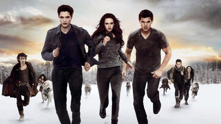 Edward, Bella, and Jacob run towards the camera inTwilight Breaking Dawn Part 2