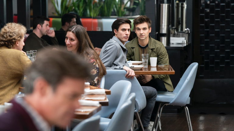 The Other Two Cary (Drew Tarver) and Jess (Gideon Glick)