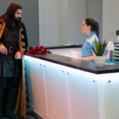 """Nandor (Kayvan Novak) in What We Do in the Shadows """"The Cloak of Duplication"""""""