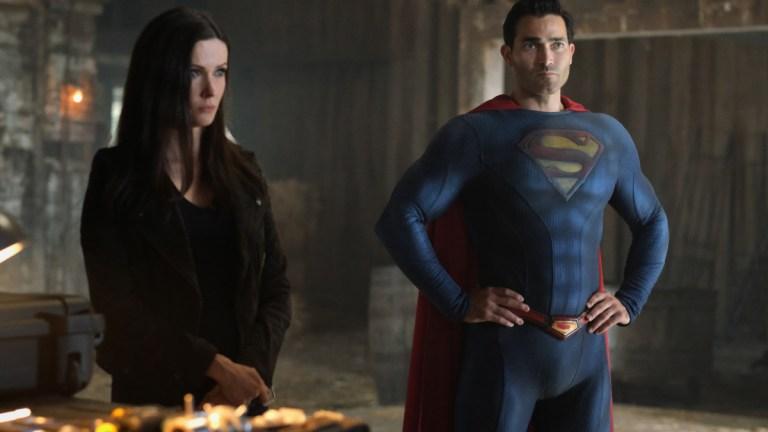 "Elizabeth Tulloch as Lois Lane and Tyler Hoechlin as Superman on Superman & Lois Episode 15 ""Last Sons of Krypton"""