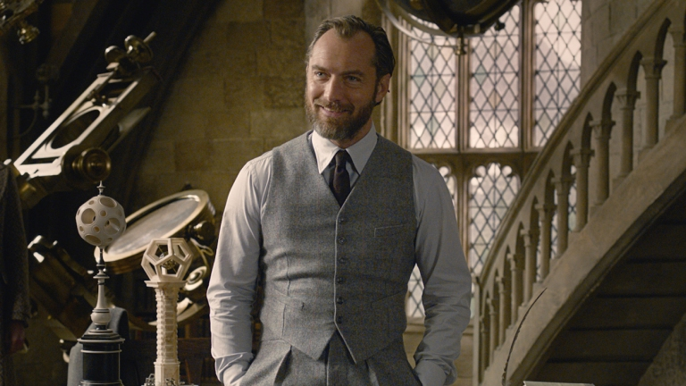 Jude Law as Dumbledore in Fantastic Beasts and Harry Potter