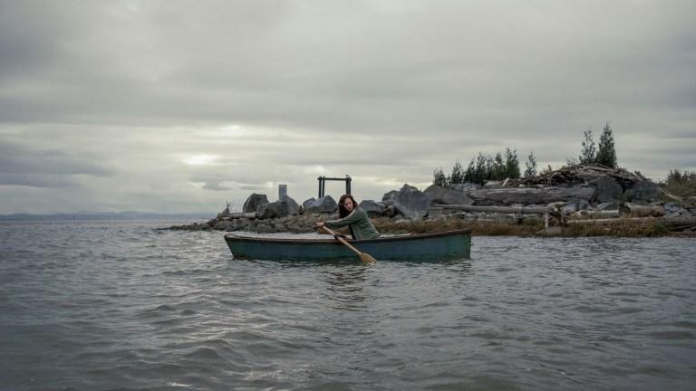Erin Greene (Kate Siegel) in a canoe on Midnight Mass