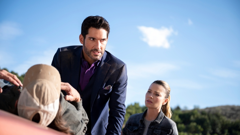 Lucifer and Chloe interrogate a suspect during the search for Mira's mother.