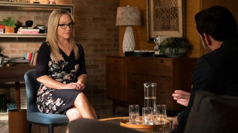 Rachael Harris as Dr. Linda Martin talks Lucifer (Tom Ellis) through his doubts.