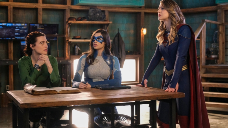 Supergirl: Kara and Lena Save the Day with Magic and Transparency